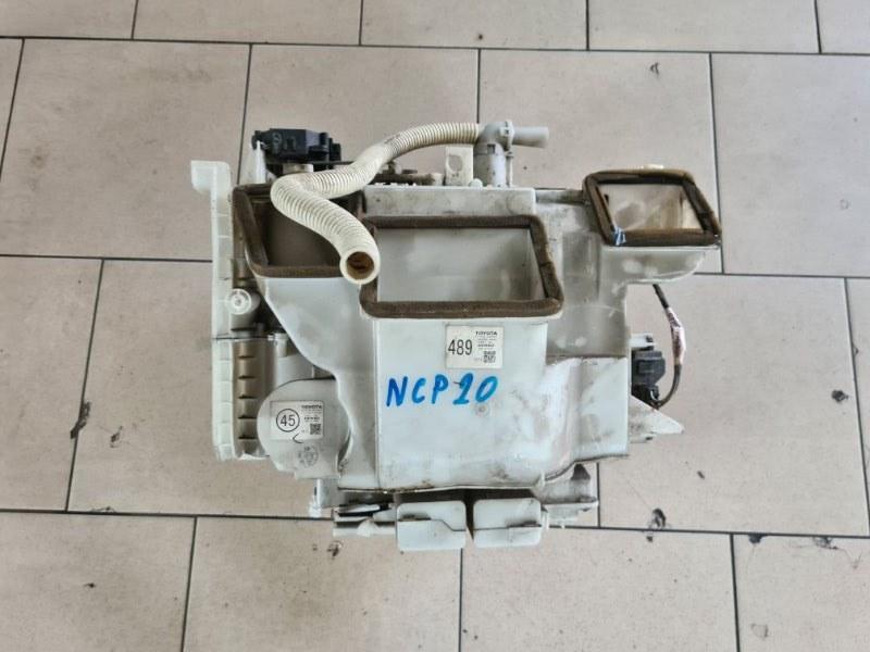 Корпус печки Toyota Funcargo NCP21 1NZFE 2000 передний