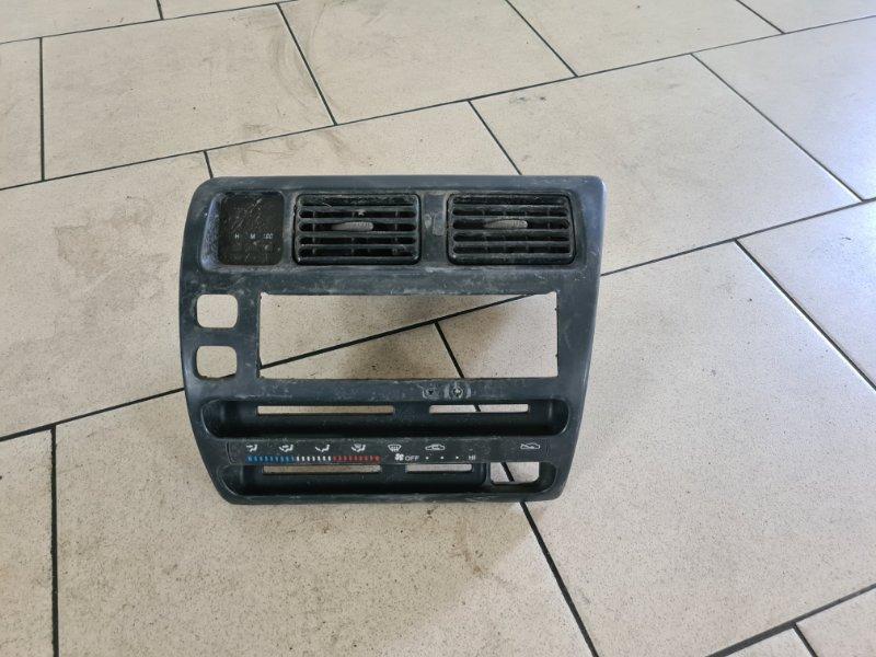 Центральная консоль Toyota Corolla EE102 4EFE 1992