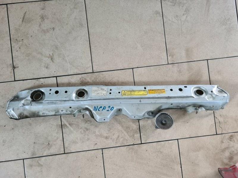 Планка радиатора Toyota Funcargo NCP21 1NZFE 2000 передняя