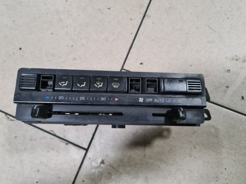 Блок управления климат-контролем Toyota Corona AT170 5AFE 1990 передний