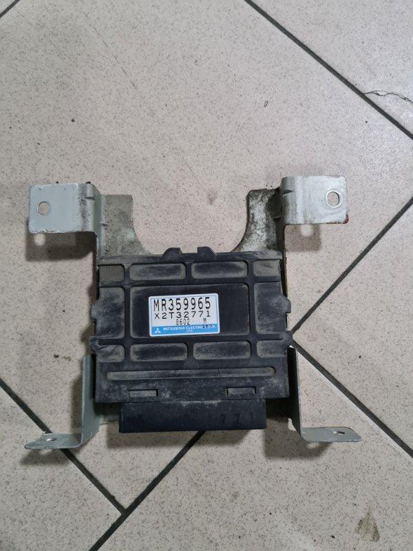 Блок управления abs Mitsubishi Delica PD6W 6G72 2002 передний
