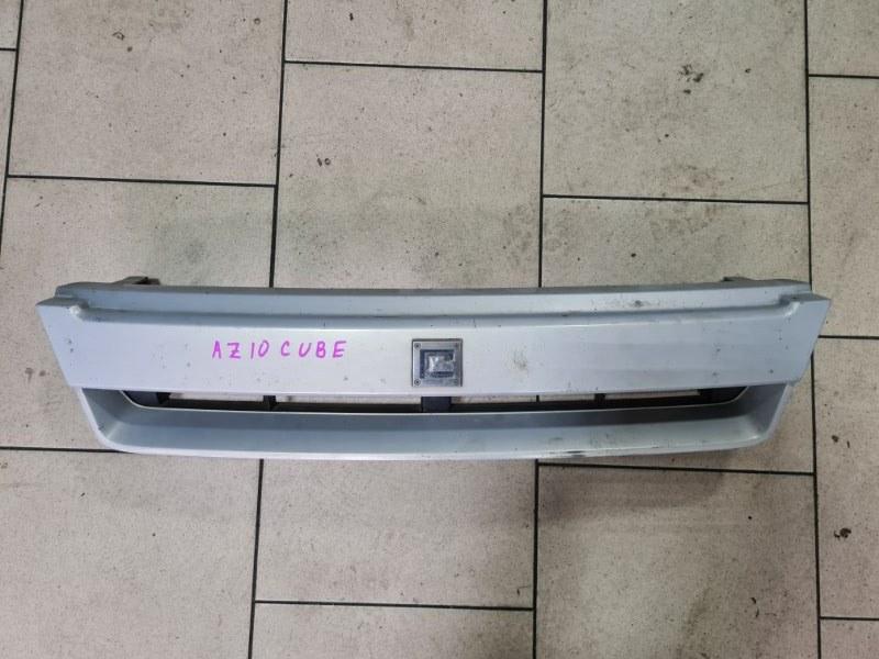 Решетка радиатора Nissan Cube AZ10 CGA3 2001 передняя