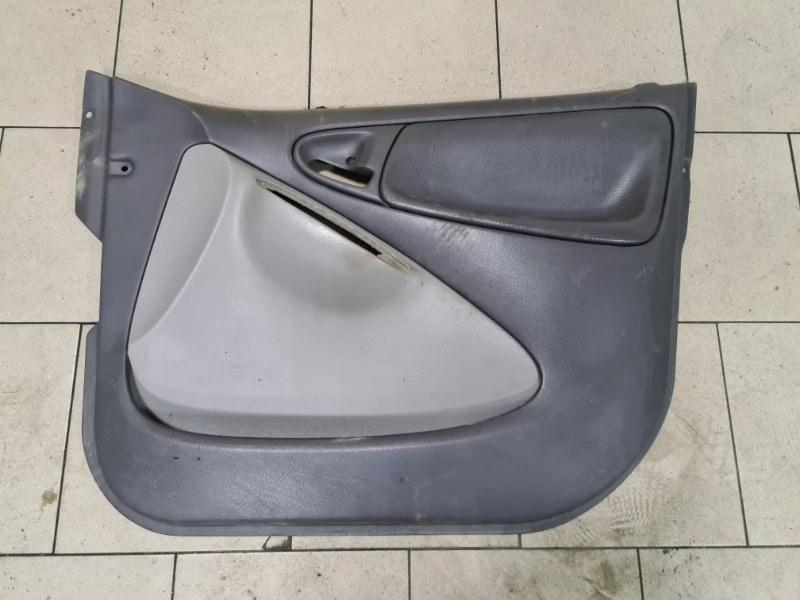 Обшивка двери Toyota Platz SCP12 1SZFE 2000 передняя правая