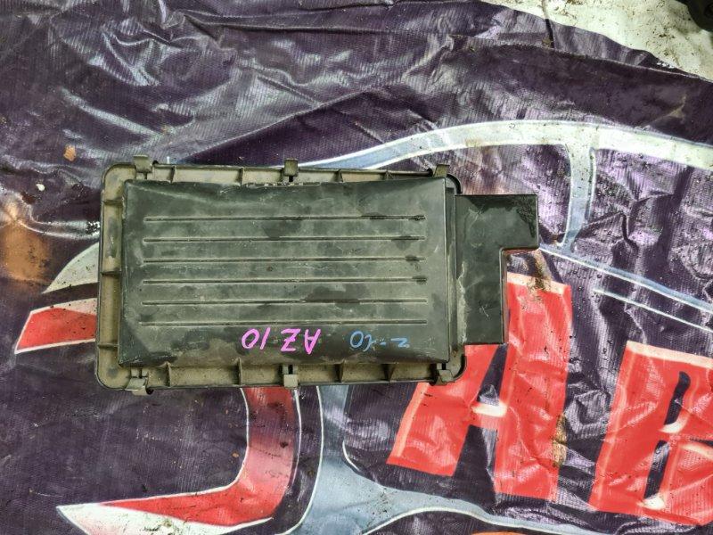 Корпус воздушного фильтра Nissan Cube AZ10 CGA3 2001 передний