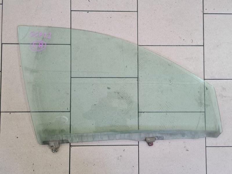 Стекло Toyota Platz SCP12 1SZFE 2000 переднее правое