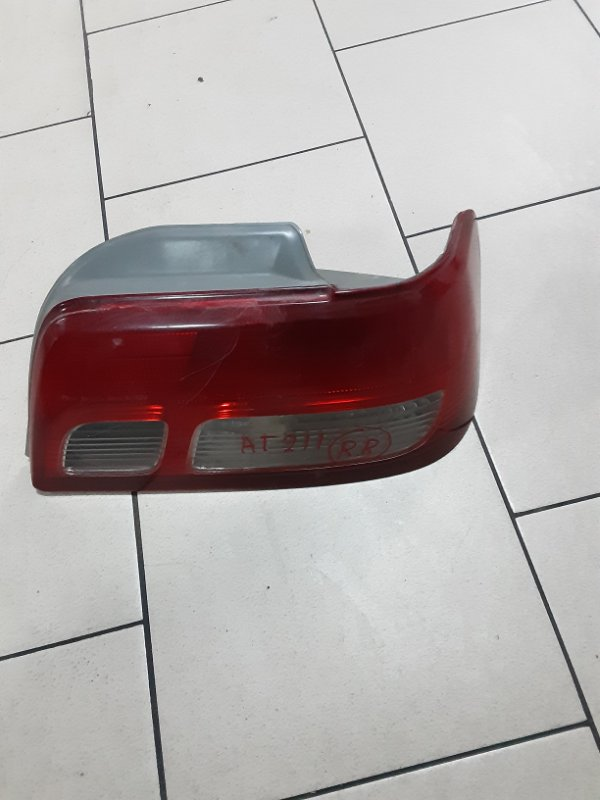 Стоп-сигнал Toyota Carina AT211 7AFE 1996 задний правый