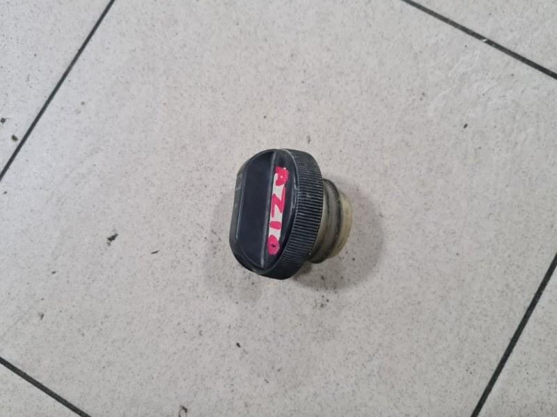 Пробка бензобака Nissan Cube AZ10 CGA3 2001 задняя