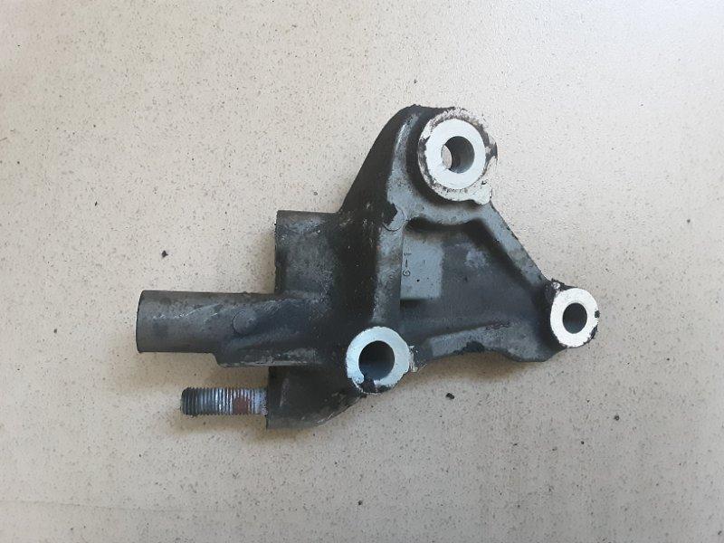 Крепление блока двигателя Nissan Cube AZ10 CGA3 2001 переднее