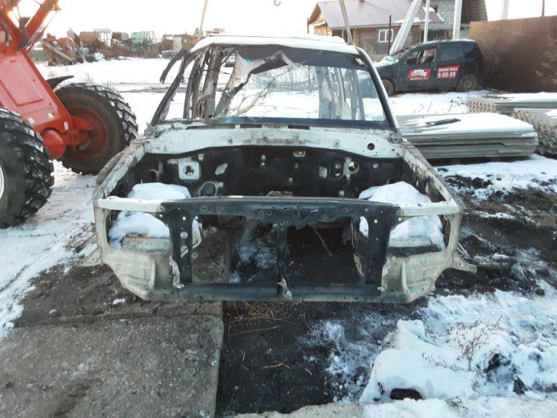 Рамка радиатора Toyota Land Cruiser 100 UZJ100 2UZFE 1998 передняя