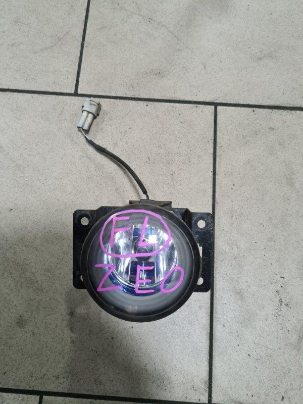 Фара противотуманная Nissan Leaf ZEO EM61 2011