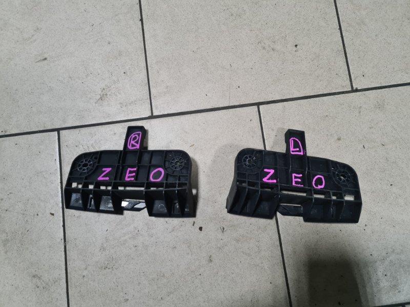Крепление бампера Nissan Leaf ZEO EM61 2011 переднее