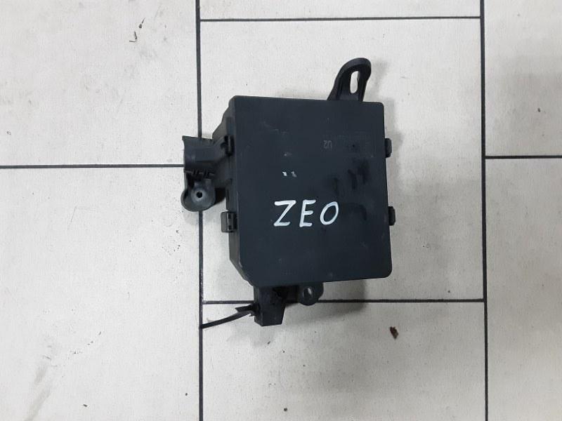 Блок предохранителей Nissan Leaf ZEO EM61 2011 передний