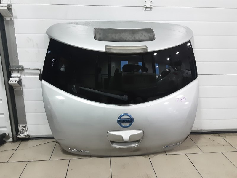 Дверь багажника Nissan Leaf ZEO EM61 2011 задняя