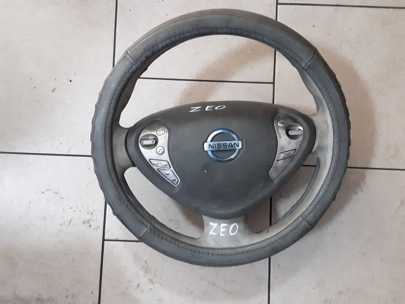Аирбаг на руль Nissan Leaf ZEO EM61 2011 передний правый