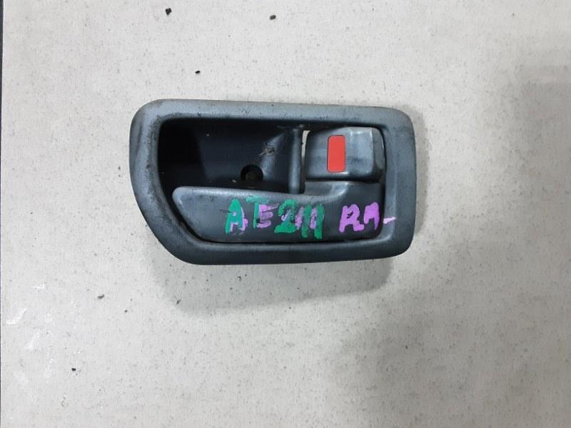 Ручка двери внутренняя Toyota Carina AT211 7AFE 1996 задняя правая