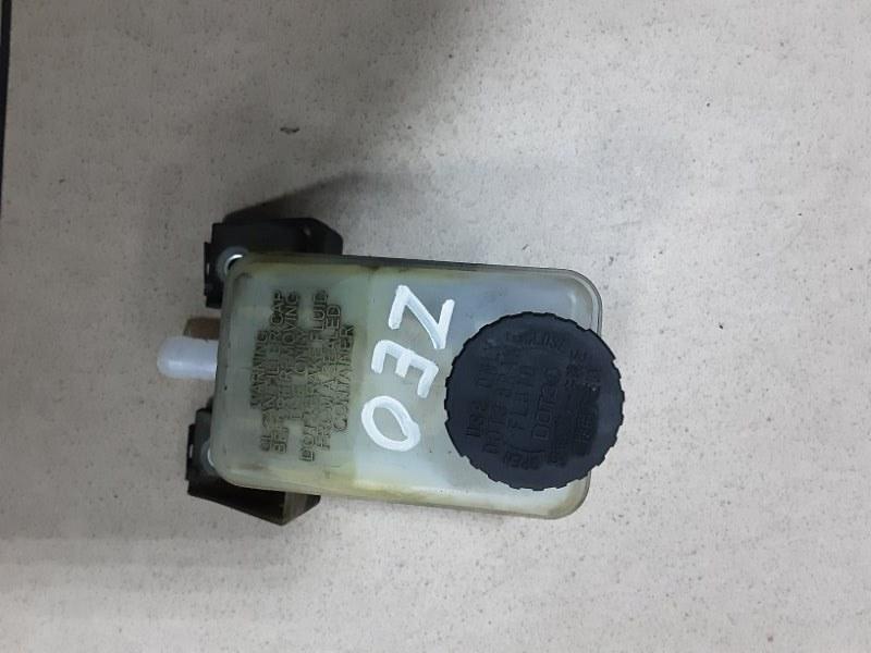 Бачок для тормозной жидкости Nissan Leaf ZEO EM61 2011 передний