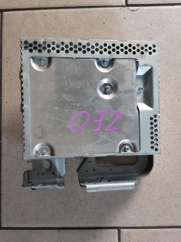 Блок управления Nissan Leaf ZEO EM61 2011 передний