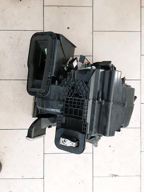 Корпус печки Nissan Leaf ZEO EM61 2011 передний