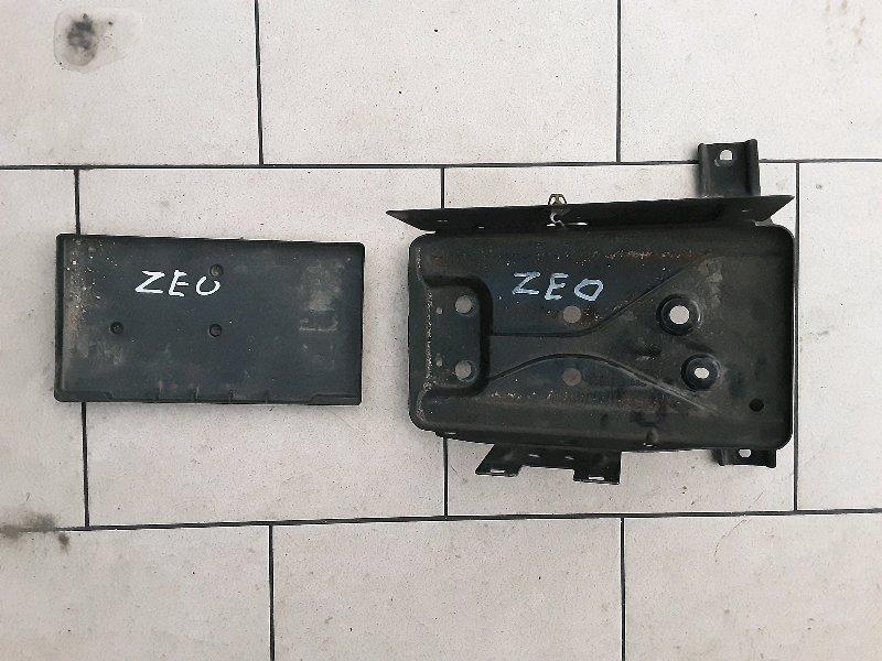 Подставка под аккумулятор Nissan Leaf ZEO EM61 2011 передняя