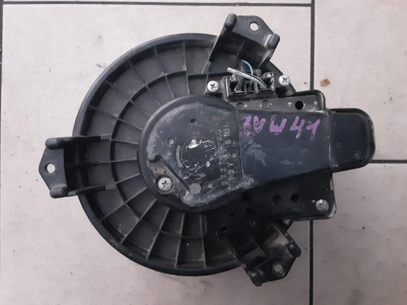 Мотор печки Toyota Prius ZVW40 2ZRFXE 2010 передний
