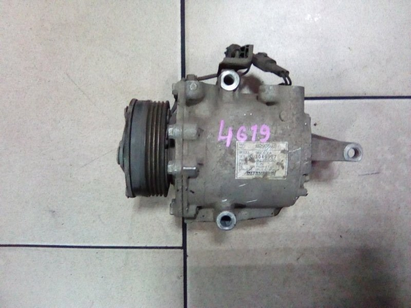 Компрессор кондиционера Mitsubishi Colt Z25A 4G19 2002 передний