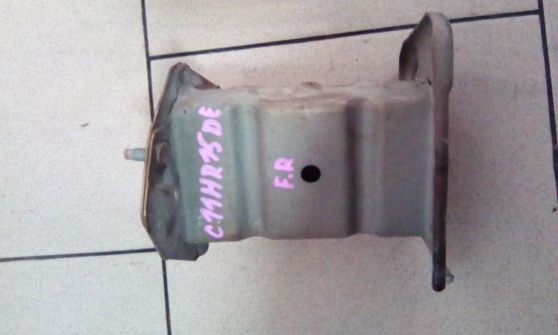 Жесткость бампера Nissan Tiida Latio C11 HR15DE 2005 передний правый