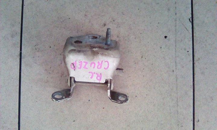 Петля двери Toyota Land Cruiser 100 UZJ100 2UZFE 1998