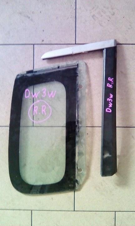 Стекло багажника Mazda Demio DW3W B3 2000 заднее правое
