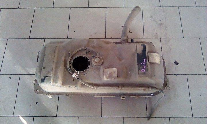 Топливный бак Mazda Demio DW3W B3 2000 задний нижний