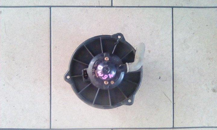 Мотор печки Mazda Demio DW3W B3 2000 передний