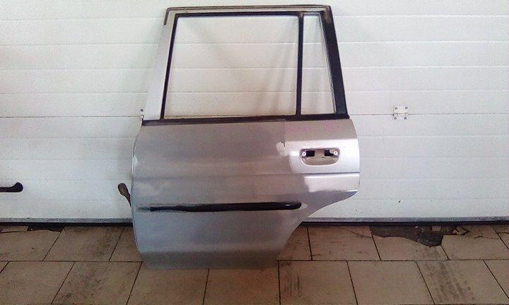 Дверь Mazda Demio DW3W B3 2000 задняя левая
