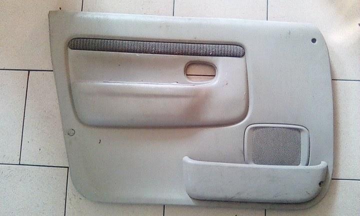 Обшивка двери Mazda Demio DW3W B3 2000 передняя левая
