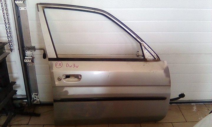 Дверь Mazda Demio DW3W B3 2000 передняя правая