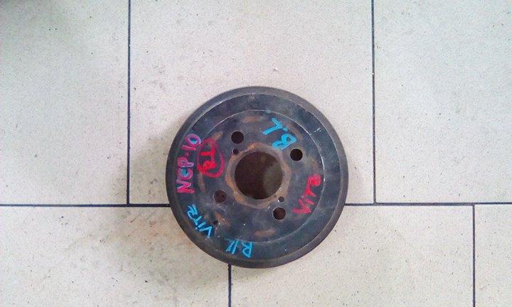 Тормозной барабан Toyota Vitz SCP10 1SZFE 2000 задний левый