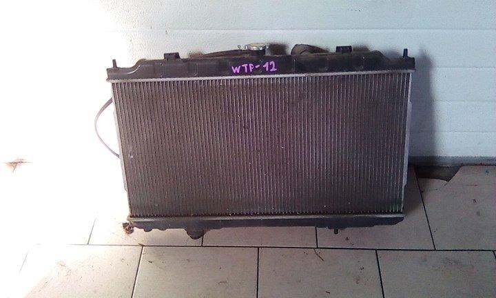 Радиатор охлаждения двигателя Nissan Primera WTP12 QR20DE 2000 передний