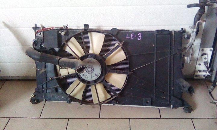 Радиатор охлаждения двигателя Mazda Premacy CREW L3 2005 передний