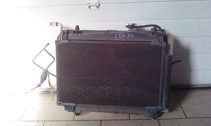 Радиатор охлаждения двигателя Toyota Vitz SCP90 2SZFE 2005 передний