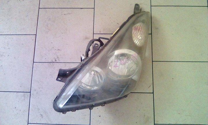 Фара Toyota Wish ZNE10 1ZZFE 2003 передняя левая