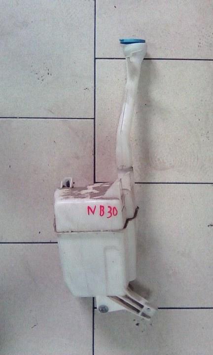 Бачок омывателя Nissan Lafesta NB30 MR20DE 2004 передний