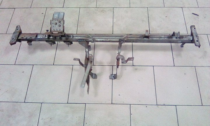 Жесткость панели приборов Nissan Ad VY11 QG15DE передний