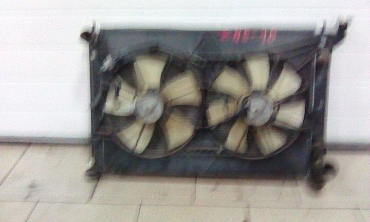 Радиатор охлаждения двигателя Toyota Wish ZNE10 1ZZFE 2003 передний