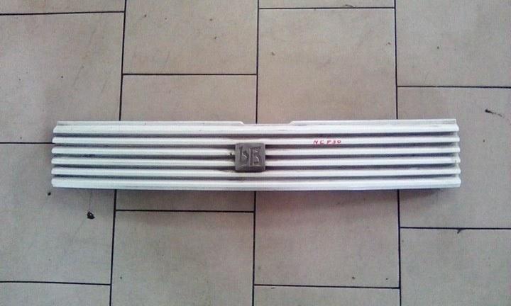 Решетка радиатора Toyota Bb NCP30 2NZFE 2000 передняя