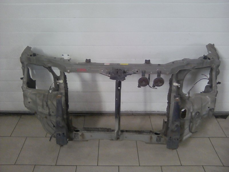 Рамка радиатора Toyota Town Ace Noah SR50 3SFE 2000 передняя