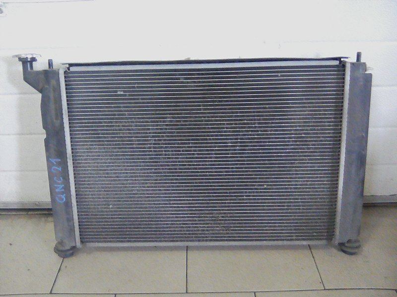 Радиатор охлаждения двигателя Toyota Corolla NZE121 1NZFE 2001 передний