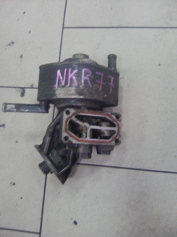 Крепление масляного фильтра Isuzu Elf NKR77 4KH1-TC 2010 переднее