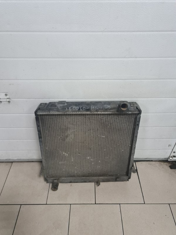 Радиатор охлаждения двигателя Toyota Toyoace BU84 11B 1989 передний