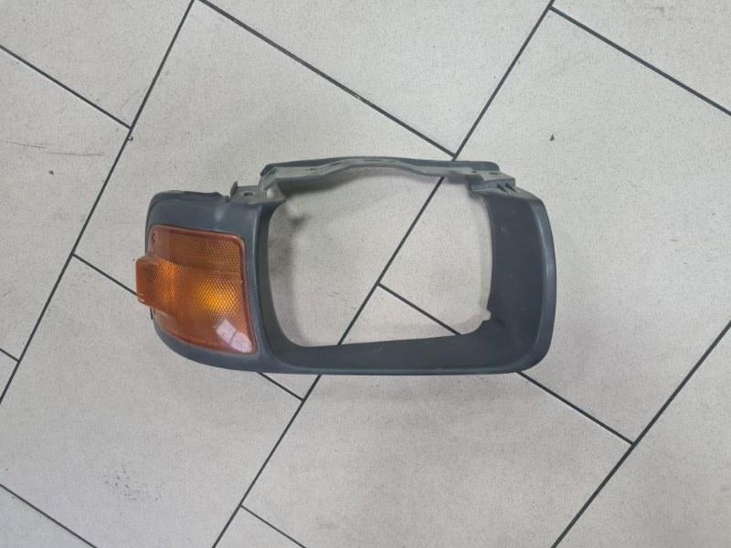 Рамка фары Nissan Ad VFY10 GA15 1992 передняя правая