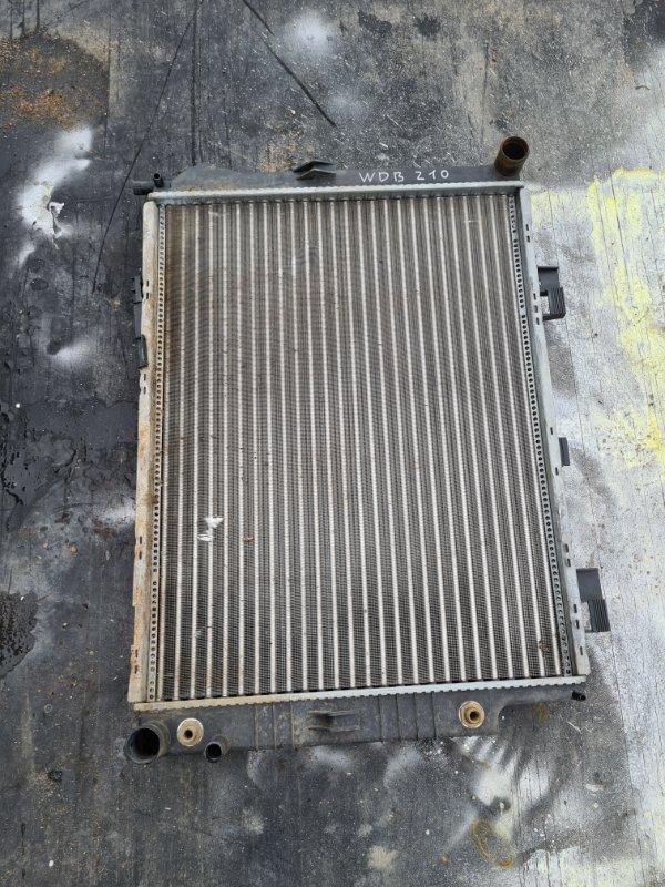 Радиатор охлаждения двигателя Mercedes-Benz E-Class E280 W210 M112 1999 передний