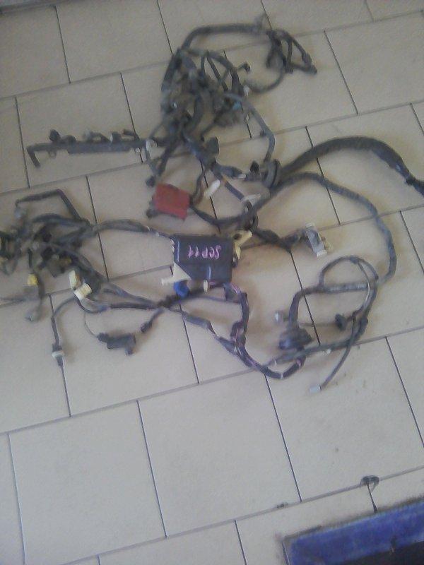 Проводка двигателя Toyota Platz SCP11 1SZFE 2000 передняя
