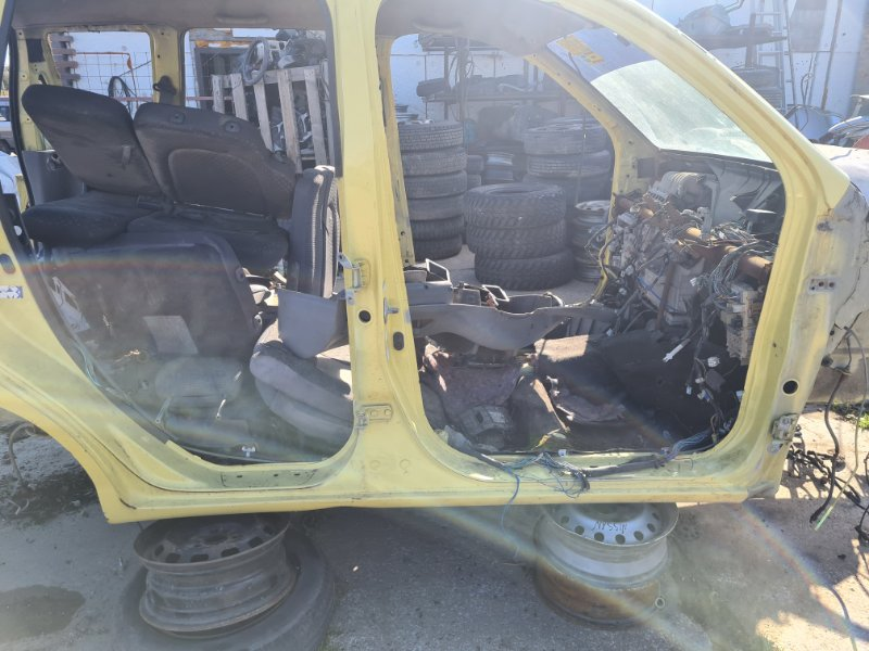 Порог Toyota Funcargo NCP21 1NZFE 2000 правый